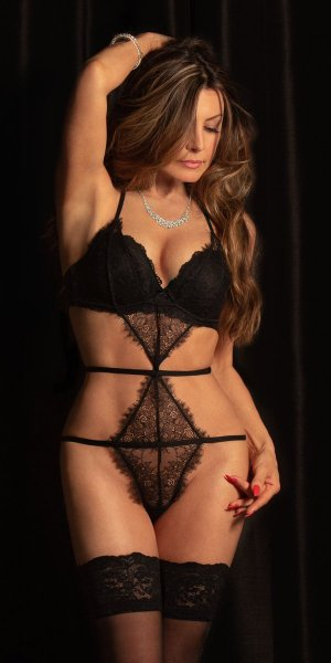 Zohour blonde erotic massage in Corinth