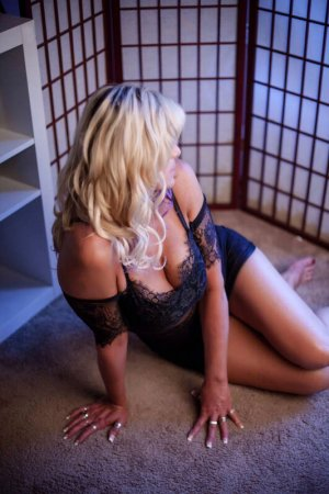 Martine-marie blonde escorts Warren