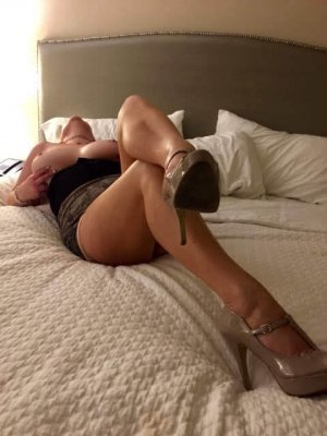 Madelena blonde escorts in Finneytown
