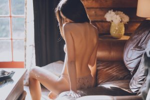 Deloula erotic massage in Lady Lake